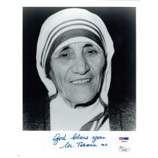 Item # 0141 - Mother Teresa - Signed 1994 Photograph - PSA/JSA